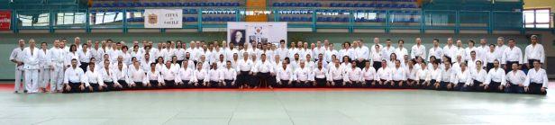 I partecipanti al Koshukai Internazionale nella foto di gruppo assieme a Saito Hitohira Jukucho.