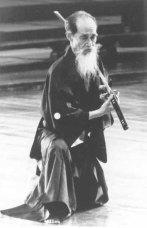 Yoshio Sugino (1904-1998) - dal 1934. [10 dan Katori Shinto Ryu - 10 dan International Martial Arts Federation]