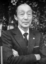 Kenji Tomiki (1900-1979) - dal 1926 [Fondatore del Tomiki-ryu Aikido, fu il primo 8 dan, conseguito nel 1942]
