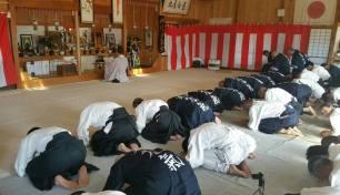 Iwama, 17 gennaio 2016. La cerimonia religiosa all'interno del dojo.