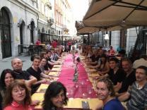 """Il party del sabato sera presso il ristorante """"Le Botti"""" di Trieste."""