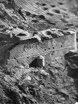 Il Blocco B dopo i bombardamenti del 1915.