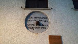 12/08/2017 - Malborghetto: murata in un'antica casa, una palla di cannone che la colpì durante gli scontri del 1809.