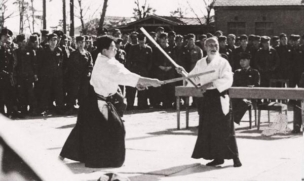 morihei-ueshiba-morihiro-saito-jieitai-demo