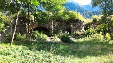 12/08/2017 - Il piazzale interno [Hof] del Forte alla data odierna.