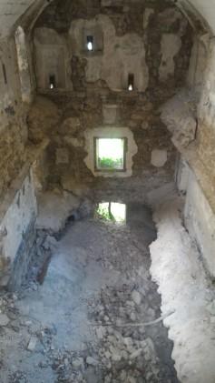 12/08/2017 - L'interno a tre piani, oggi collassati, del Blocco B.
