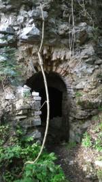12/08/2017 - L'attuale varco d'accesso al tunnel dalle rovine della ridotta [Koffer III].