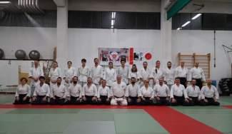 Il gruppo degli aikidoka partecipanti ai keiko di sabato pomeriggio, ritratti assieme al M° Tittarelli.