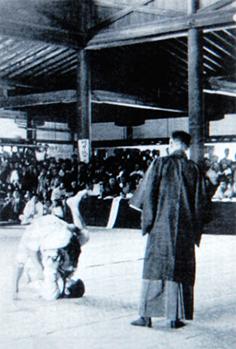 kosen-judo-sankakujime-1920