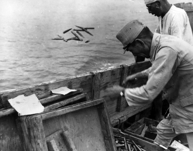Japanese-ammunition-being-dumped-into-the-sea-on-September-21-1945.-During-the-U.S.-occupation-almost-all-of-the-Japanese-war-industry-and-existing-armament-was-dismantled.